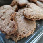 Biscuits au sarrasin dans un plat transparent